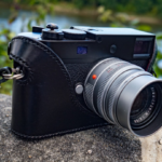 Leica M-DCamera Case on the camera in black leather - made by classic cases
